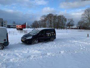 transporters bus in de sneeuw